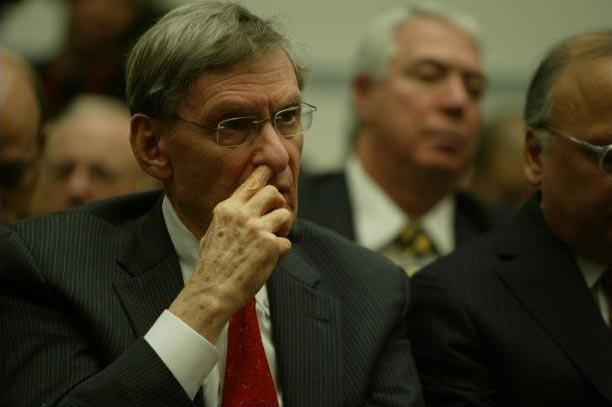 Bud Selig picks nose for MLB